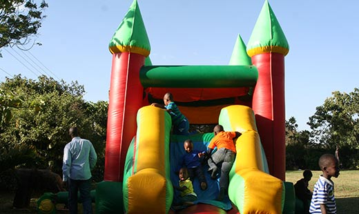 bouncing-castle