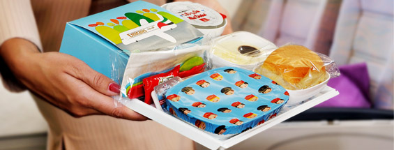 The presentation of kiddie meals in an Emirates flight. So cool!
