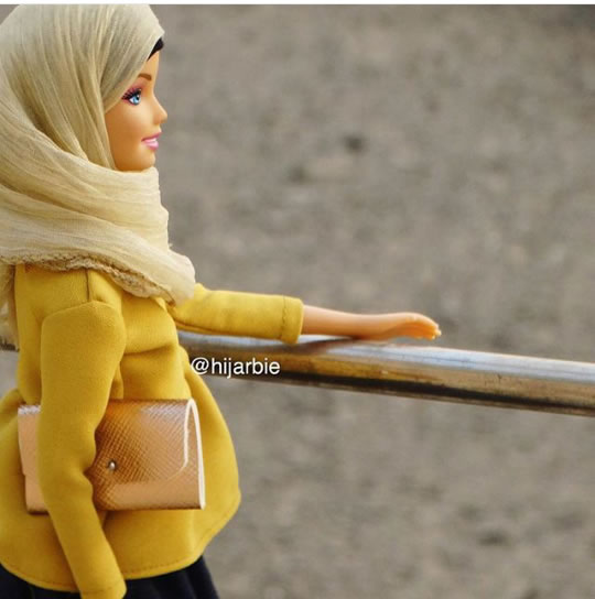 Hijarbie_mustard